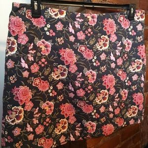 Embroidered Floral LOFT High-Waisted Skirt US18